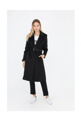 Daphnea black coat